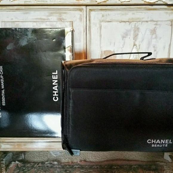 d0f00213e277 CHANEL Other - Chanel makeup case le vanity de maquillage